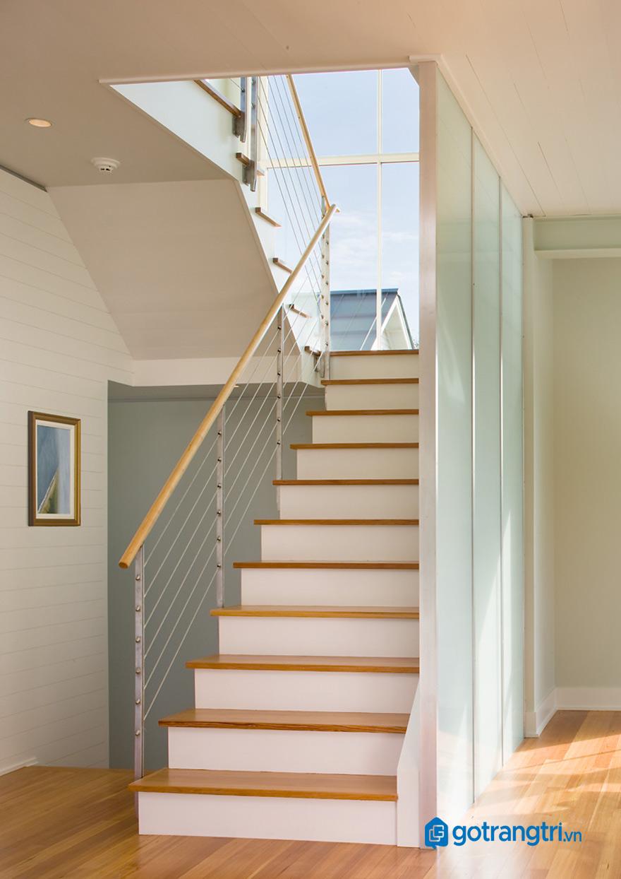 mẫu vách cầu thang đẹp nhất 17