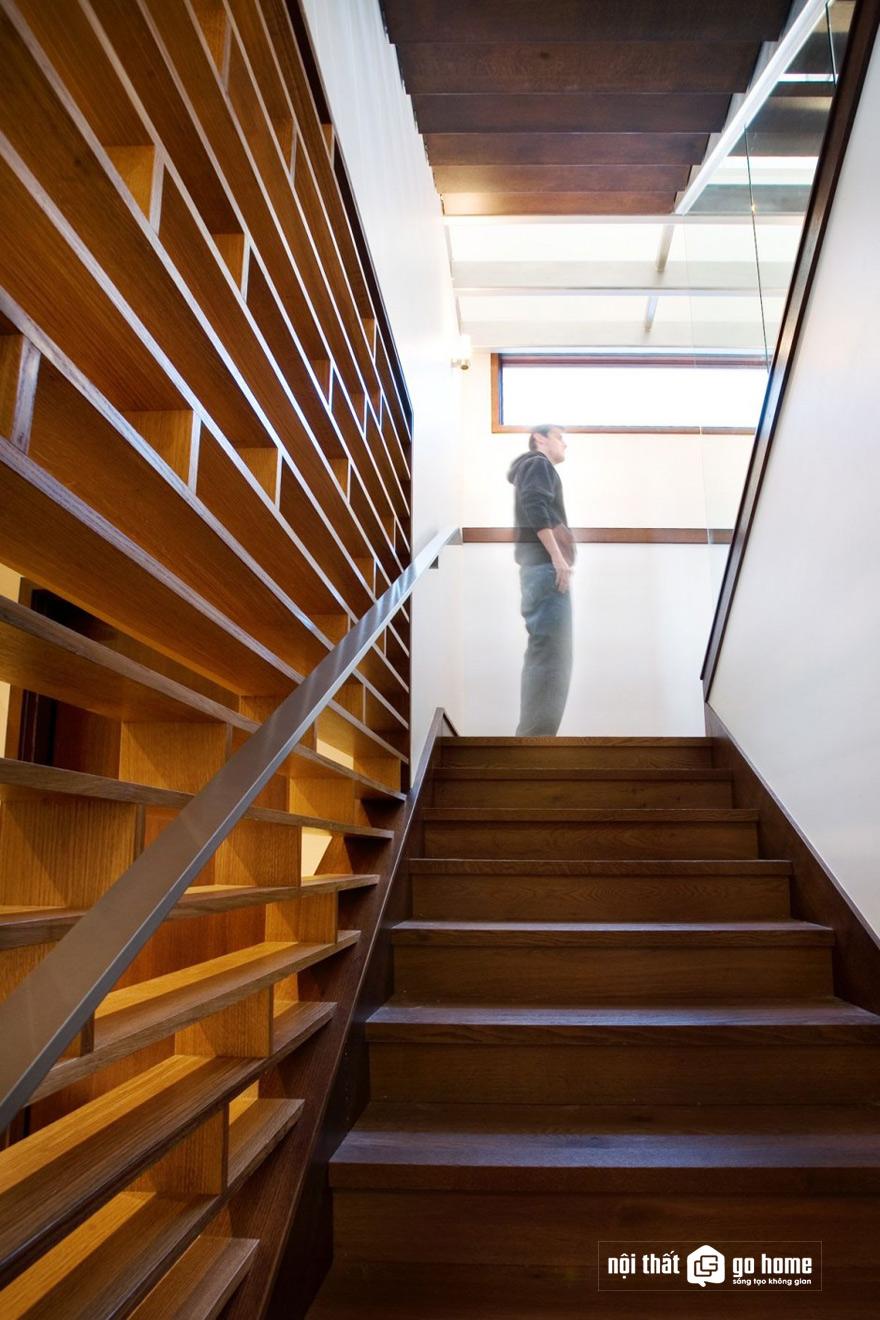 mẫu vách cầu thang đẹp nhất 2
