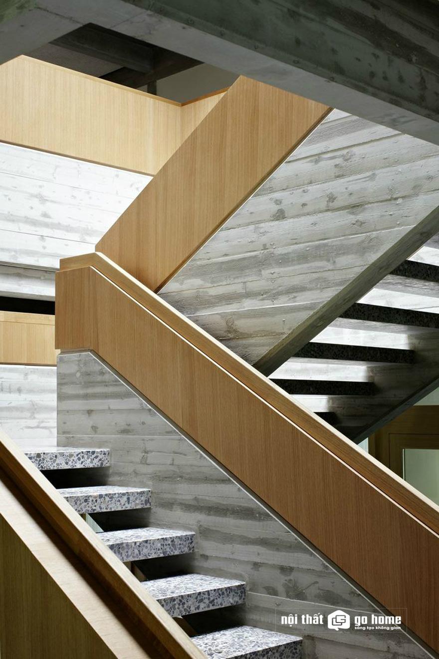 mẫu vách cầu thang đẹp nhất 22